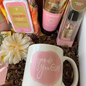 Pink themed pamper spa basket. Gift box for teens